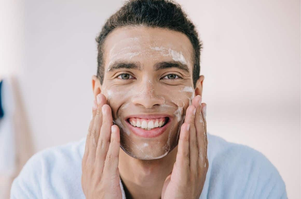 Best Face Cleanser for Men in 2020: Detailed Reviews and Buyer's Guide