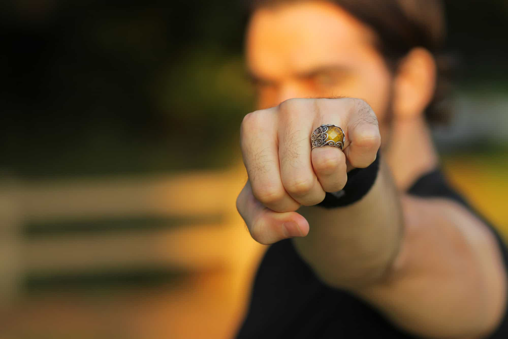 should men wear rings
