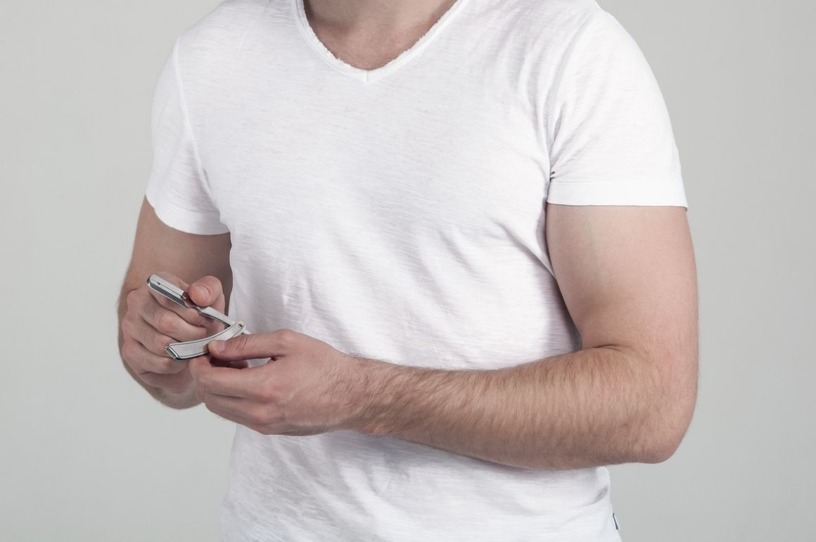 Should Men Shave Their Arms